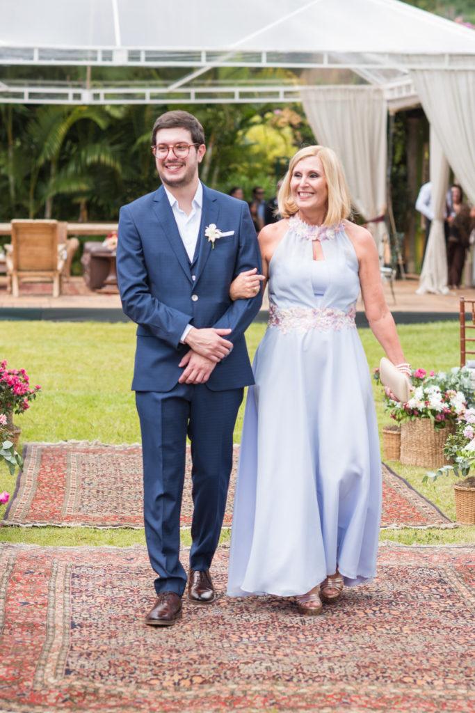 Casamento Nathalia e Diogo - Noivo entrando na cerimônia - Marina Fava Fotografia