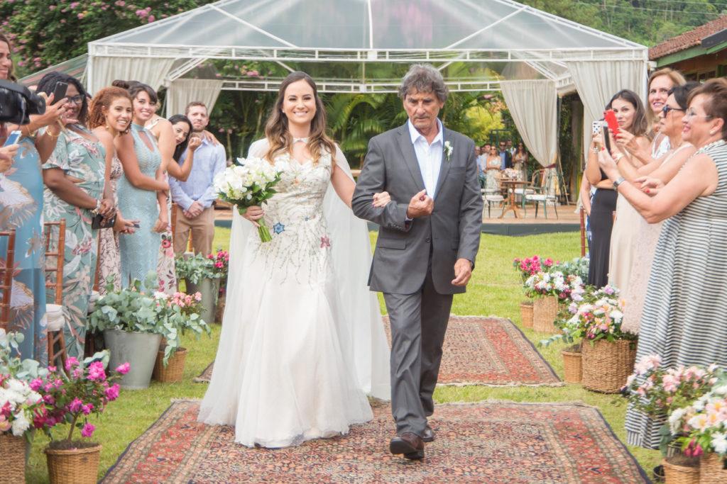 Casamento Nathalia e Diogo - Entrada da noiva - Marina Fava Fotografia