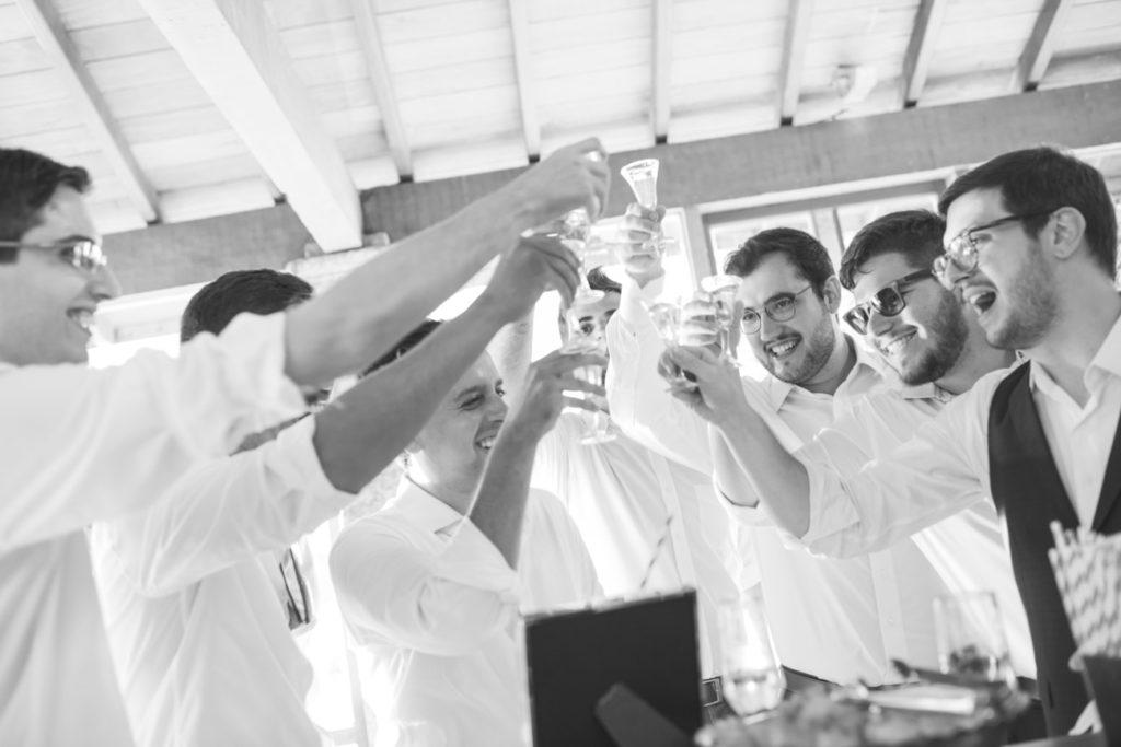Casamento Nathalia e Diogo - Brinde com padrinhos - Marina Fava Fotografia